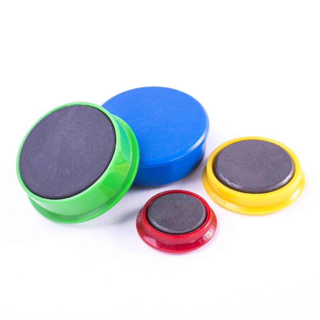 šedý magnet prům. 38mm
