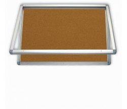 Korková horizontální vitrina 150 x 100 cm se zámkem