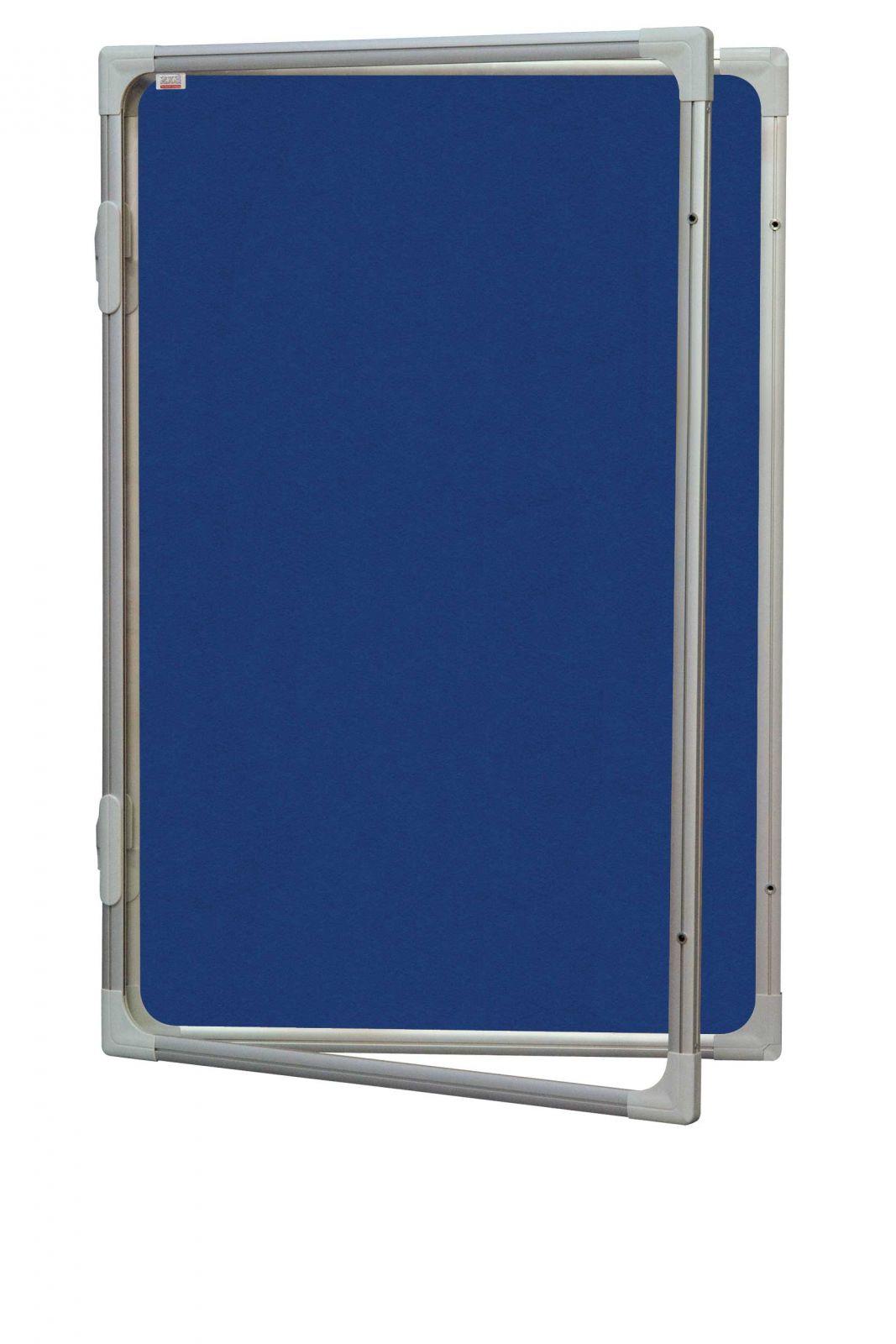 Vertikální vitrína 60 x 90 cm - výplň šedý filc 2x3